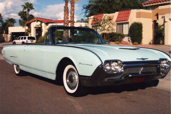 1961 FORD THUNDERBIRD CONVERTIBLE - Front 3/4 - 21052