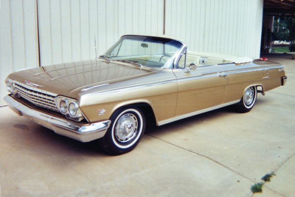 1962 CHEVROLET IMPALA SS CONVERTIBLE - Front 3/4 - 21054