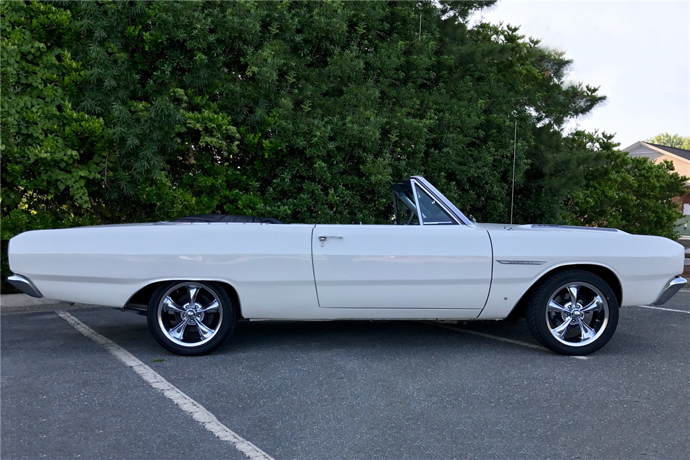 1967 DODGE DART GT CONVERTIBLE - Side Profile - 210735