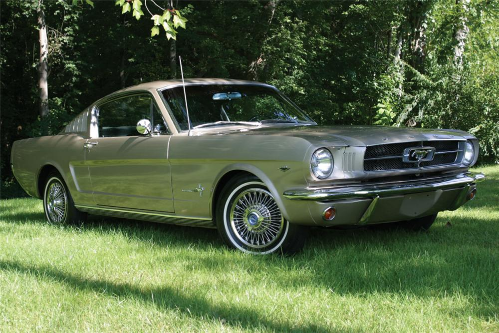 1965 FORD MUSTANG FASTBACK - Front 3/4 - 21078