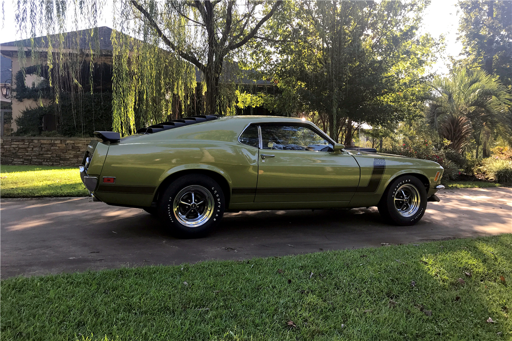 1970 FORD MUSTANG BOSS 302 - Side Profile - 210906