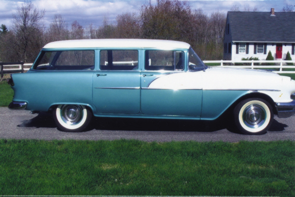 1956 PONTIAC CHIEFTAIN WAGON ONCE OWNED BY OZZIE & HARR - Front 3/4 - 21105