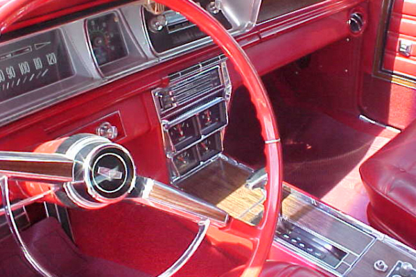 1966 CHEVROLET CAPRICE 2 DOOR HARDTOP - Interior - 21111