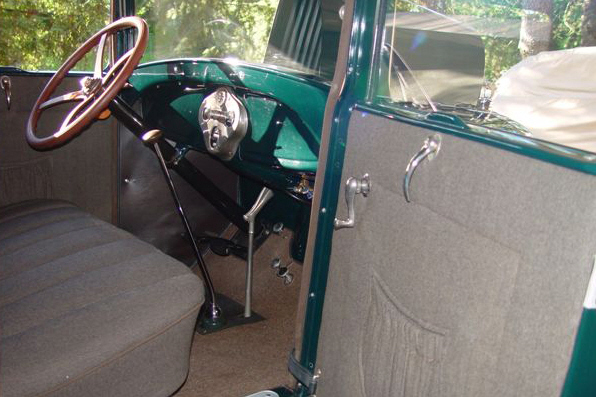 1928 FORD MODEL A SPORT COUPE - Interior - 21118