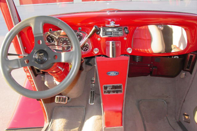 1934 FORD CUSTOM SEDAN - Interior - 21158