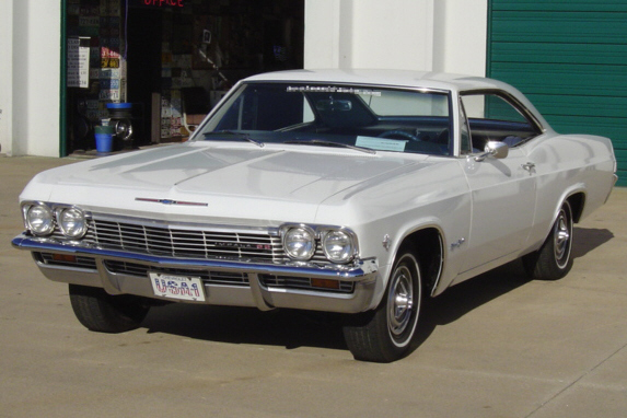 1965 CHEVROLET IMPALA SS SPORT COUPE - Front 3/4 - 21165