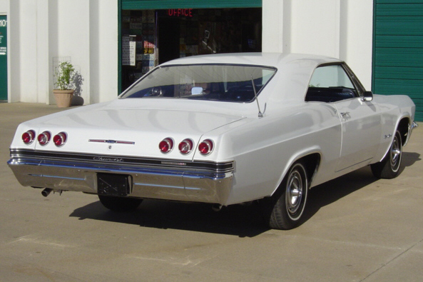 1965 CHEVROLET IMPALA SS SPORT COUPE - Rear 3/4 - 21165