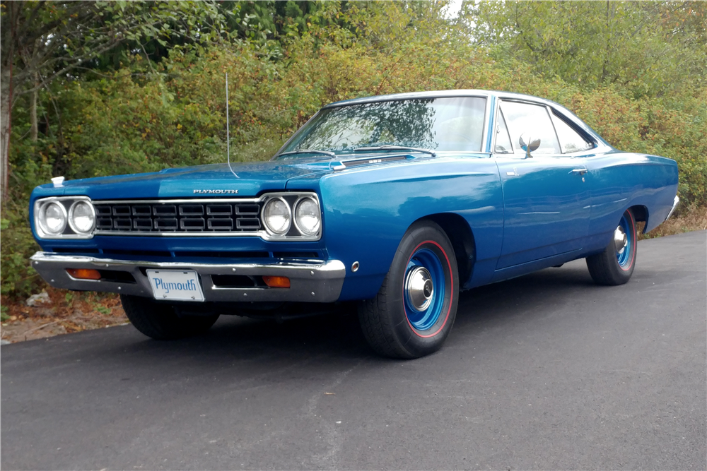 1968 PLYMOUTH ROAD RUNNER - Front 3/4 - 211715
