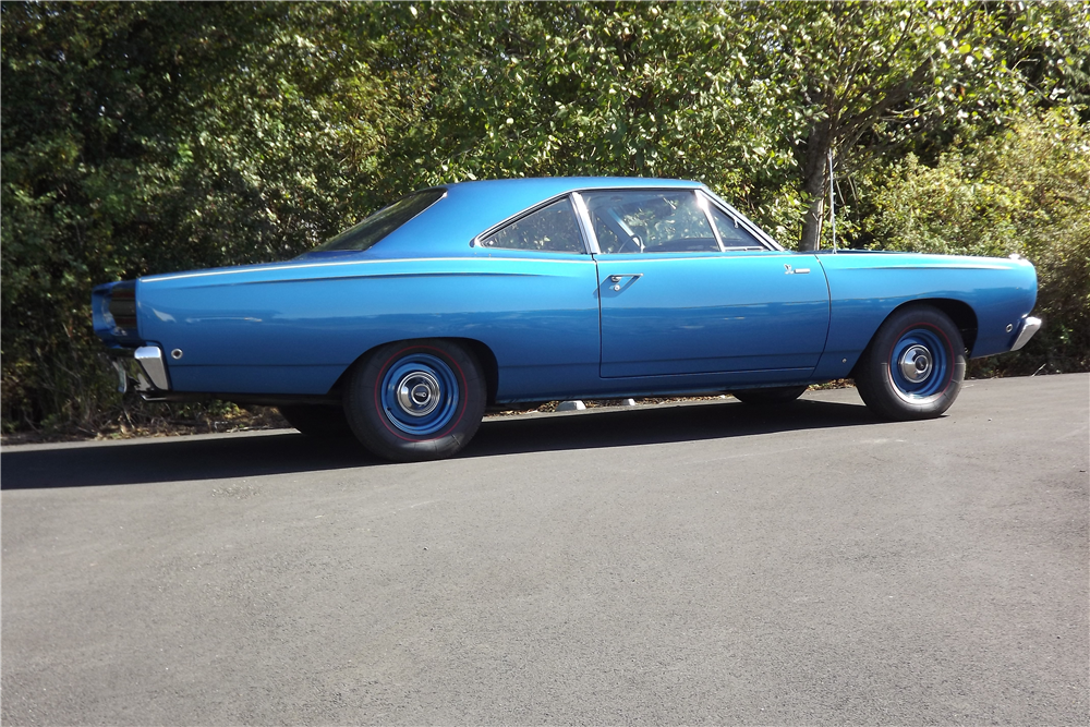 1968 PLYMOUTH ROAD RUNNER - Side Profile - 211715