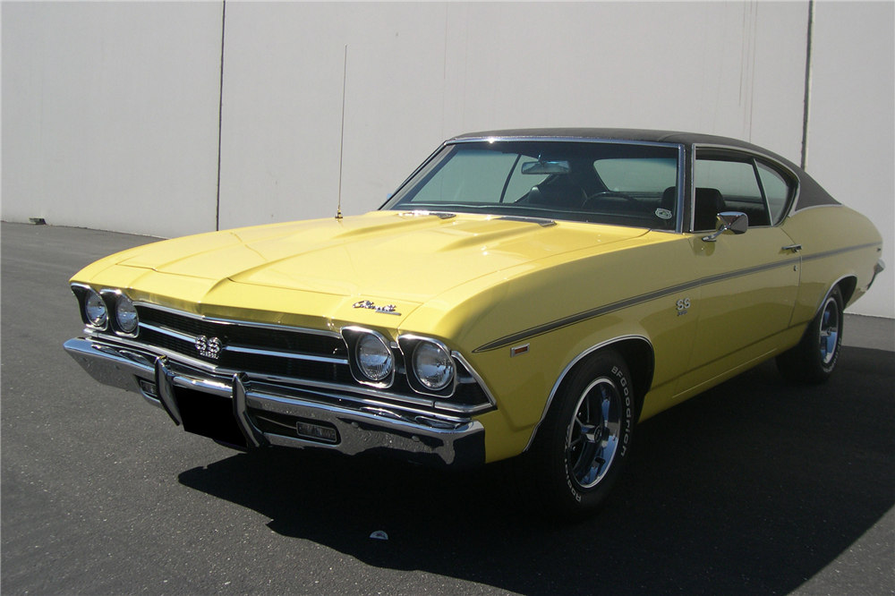 1969 CHEVROLET CHEVELLE SS 396 - Front 3/4 - 211779
