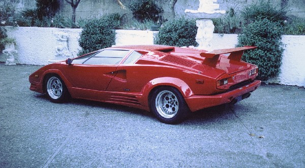 1989 LAMBORGHINI COUNTACH 25TH ANNIVERSARY - Rear 3/4 - 21181