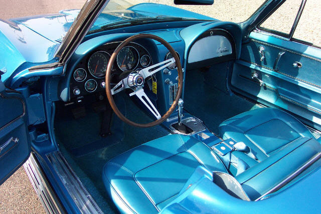 1965 CHEVROLET CORVETTE 327 CONVERTIBLE - Interior - 21182