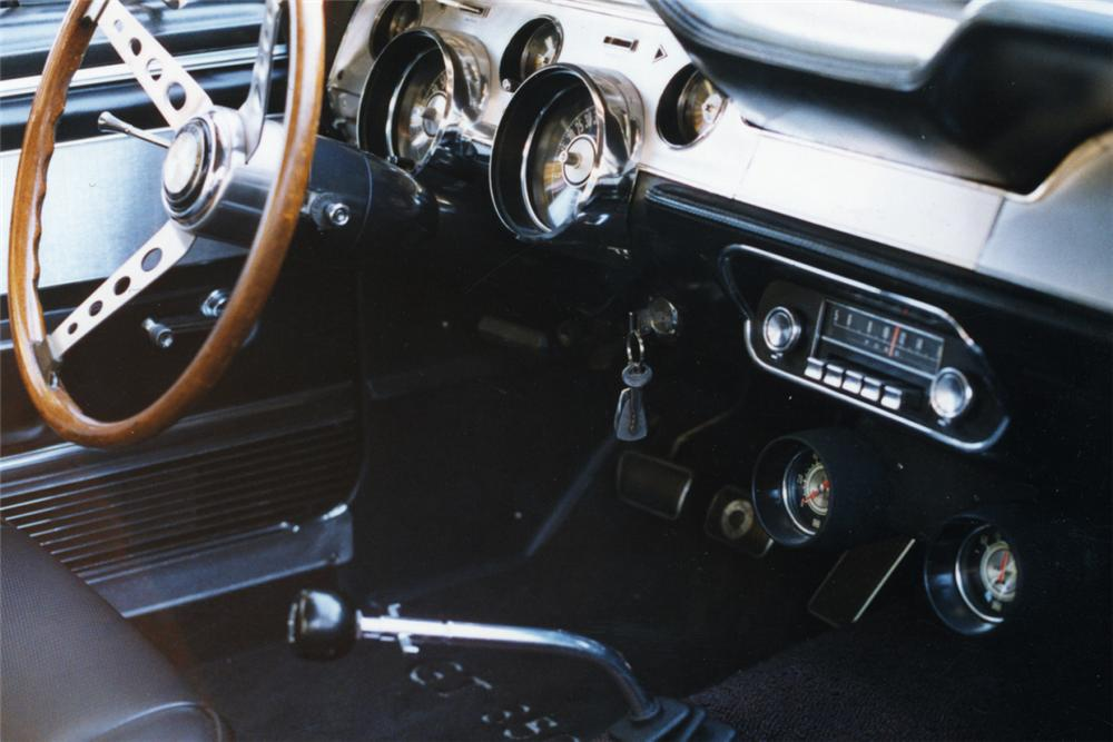 1967 SHELBY GT350 FASTBACK - Interior - 21183