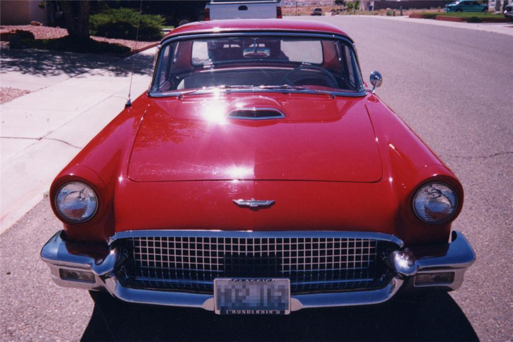 1957 FORD THUNDERBIRD CONVERTIBLE - Side Profile - 21187