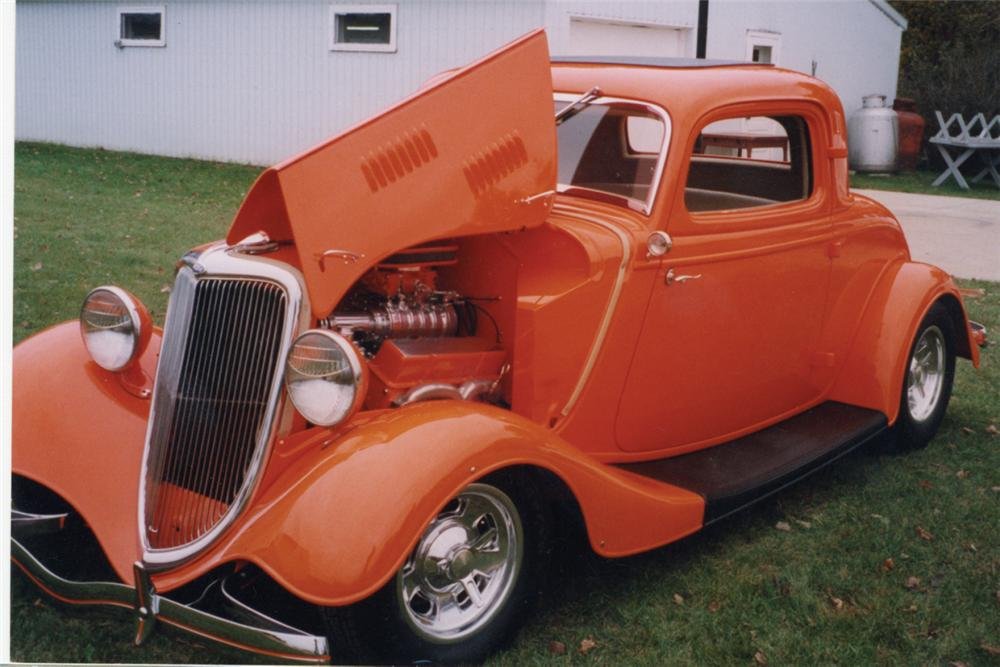 1934 FORD 3 WINDOW COUPE STREET ROD - Front 3/4 - 21211