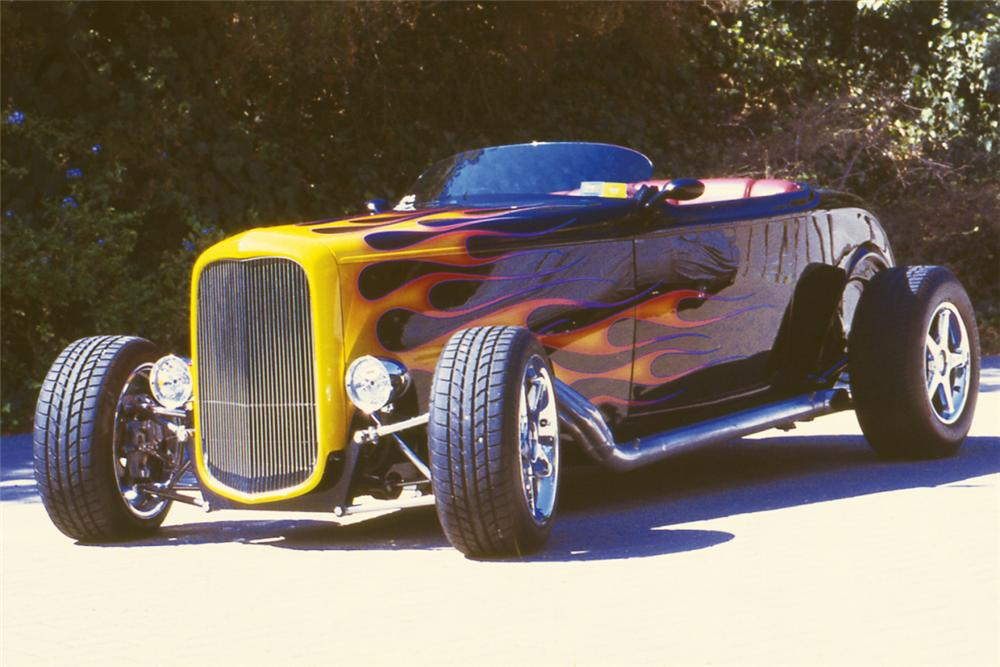 1932 FORD ROADSTER HOT ROD - Front 3/4 - 21219