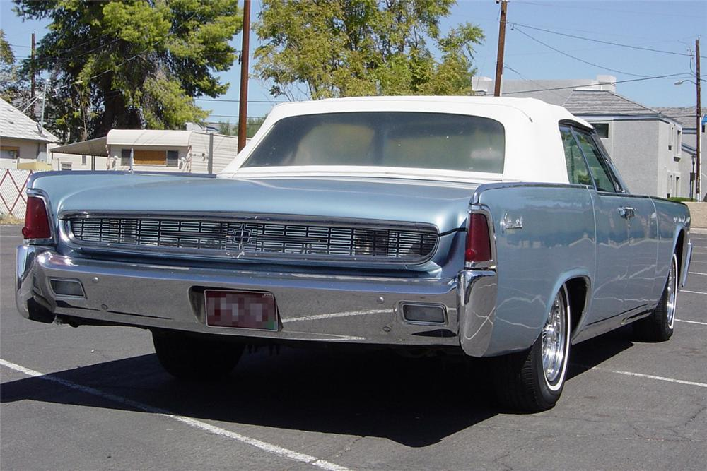 1962 LINCOLN CONTINENTAL 4 DOOR CONVERTIBLE - Rear 3/4 - 21224