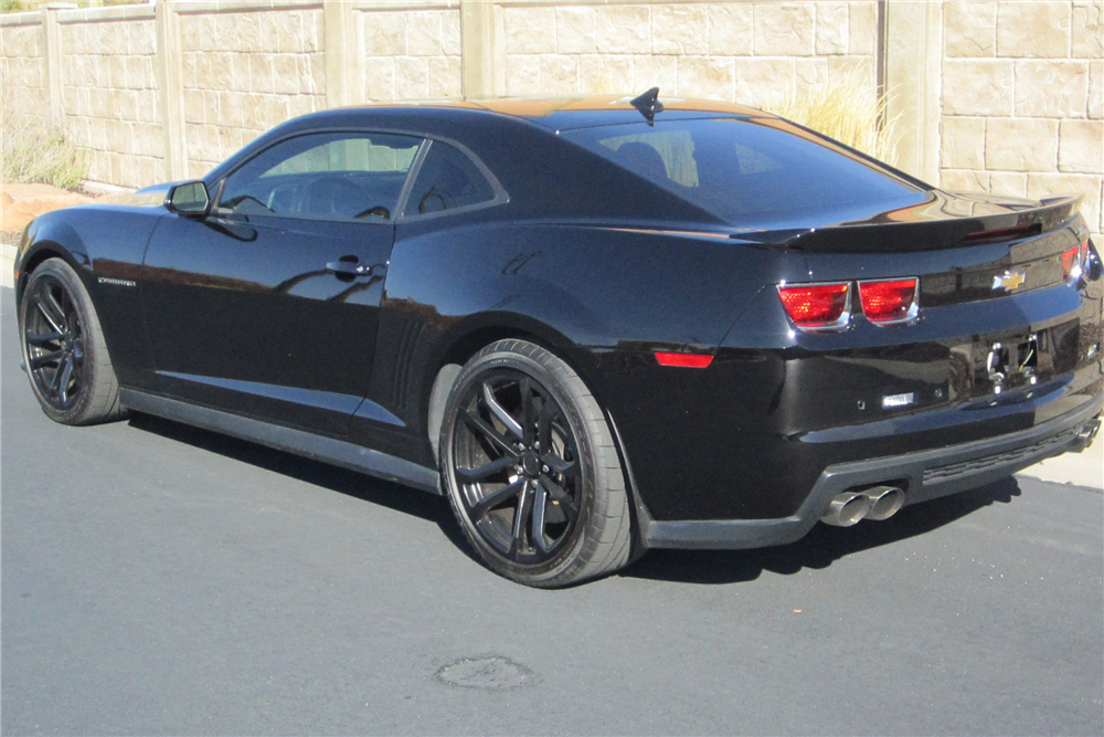 2012 CHEVROLET CAMARO ZL1 - Rear 3/4 - 212322