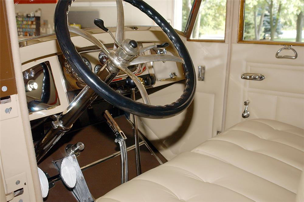 1922 PIERCE-ARROW 33 4 PASSENGER TOURING - Interior - 21234