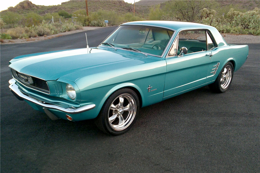 1966 FORD MUSTANG CUSTOM COUPE - Front 3/4 - 212394