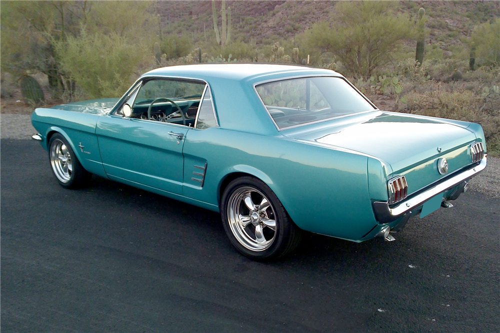 1966 FORD MUSTANG CUSTOM COUPE - Rear 3/4 - 212394