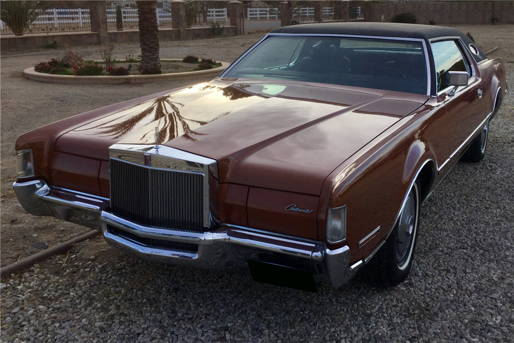 1972 LINCOLN CONTINENTAL MARK IV - Front 3/4 - 212432