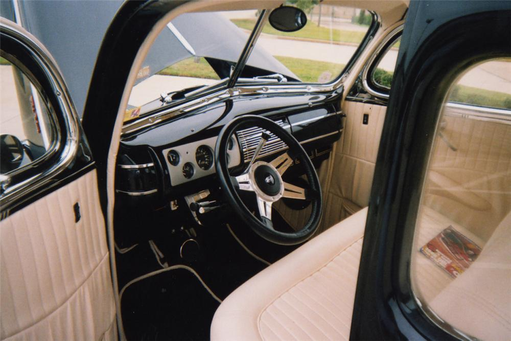 1940 FORD CUSTOM COUPE - Interior - 21255