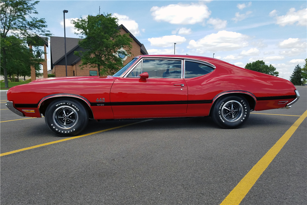 1970 OLDSMOBILE 442 W30 - Side Profile - 212554