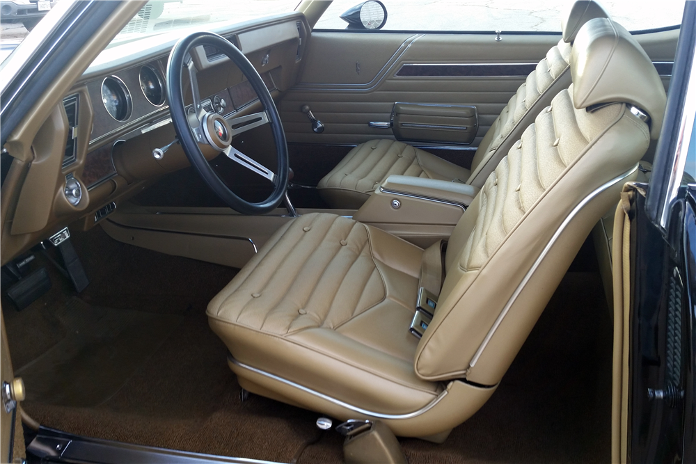1970 OLDSMOBILE 442 W30 HOLIDAY COUPE - Interior - 212555