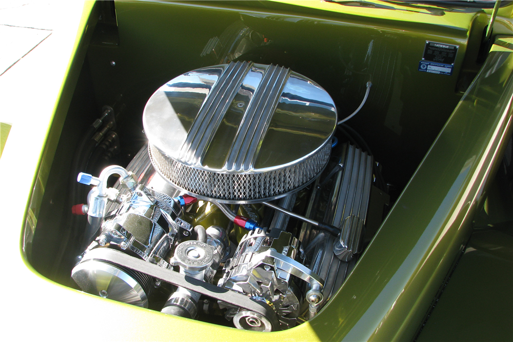 1939 FORD CUSTOM ROADSTER - Engine - 212570