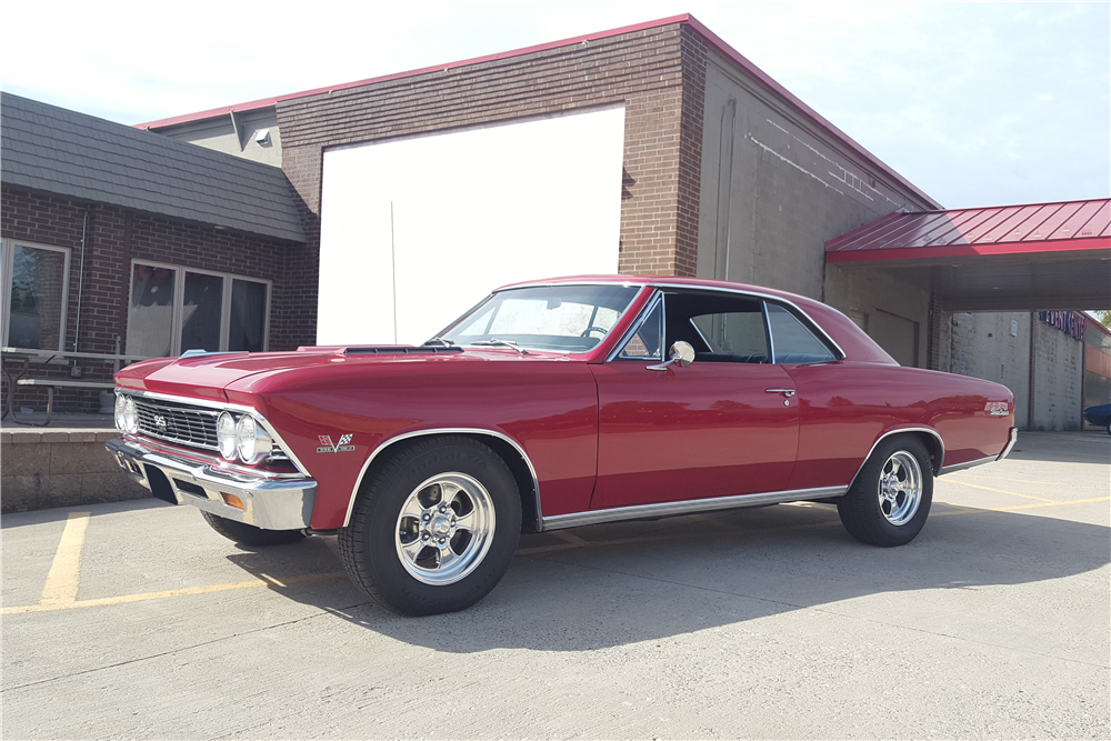 1966 CHEVROLET CHEVELLE SS 396 - Front 3/4 - 212645