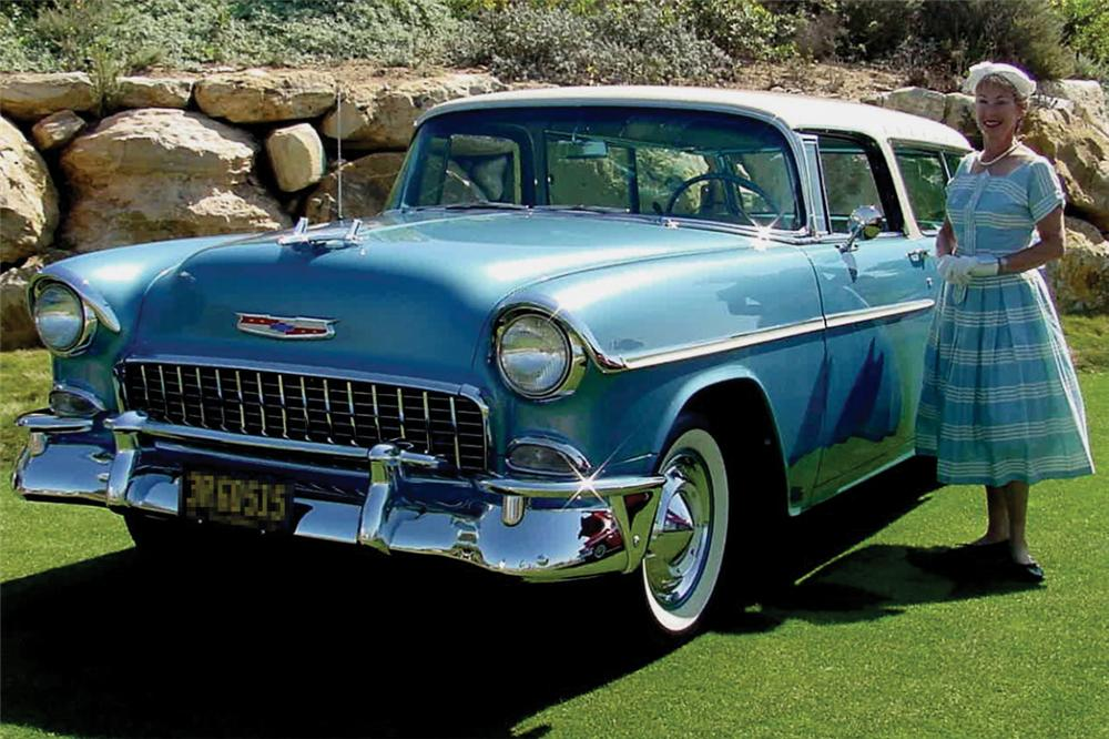 1955 CHEVROLET NOMAD STATION WAGON - Front 3/4 - 21273