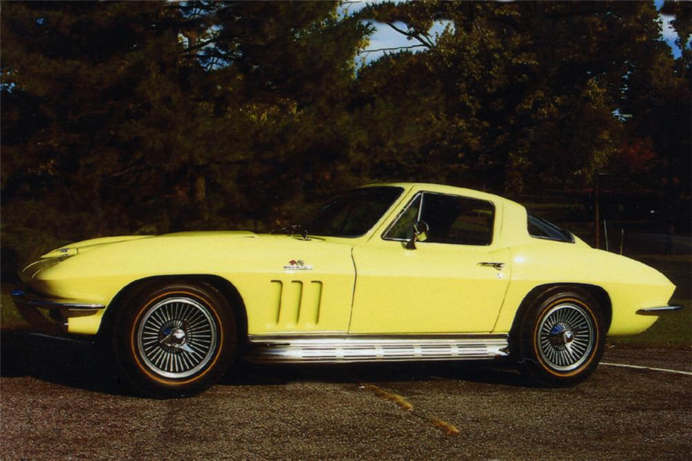 1966 CHEVROLET CORVETTE 427/425 COUPE - Side Profile - 21281
