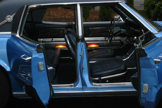 1967 FORD THUNDERBIRD 4 DOOR HARDTOP - Interior - 21287