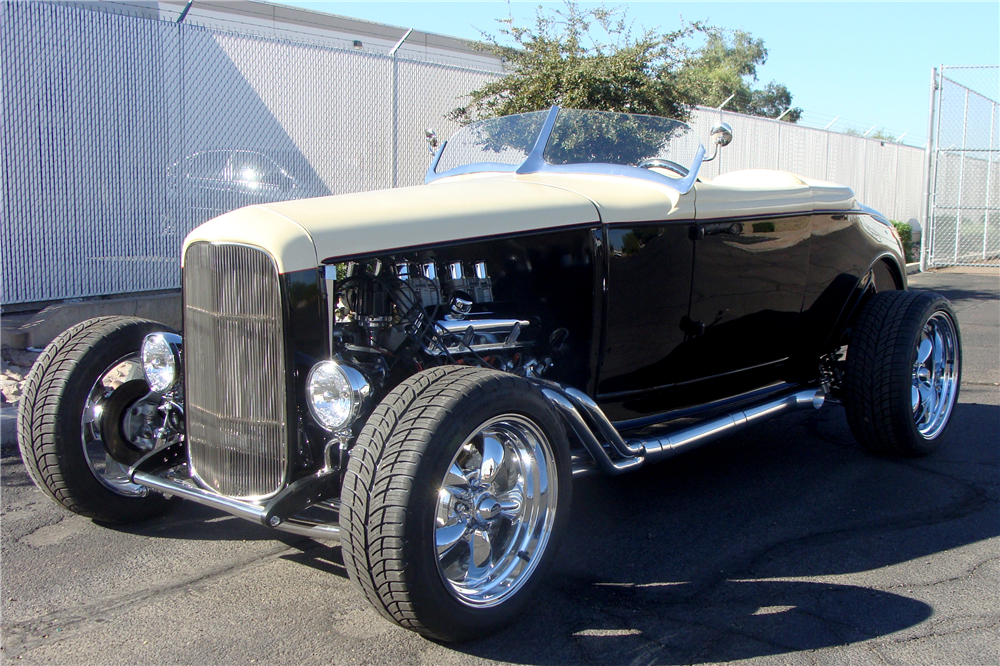 1930 FORD CUSTOM ROADSTER - Front 3/4 - 212887