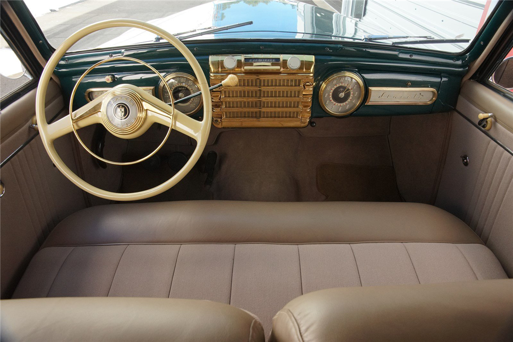 1942 LINCOLN CONTINENTAL - Interior - 212905