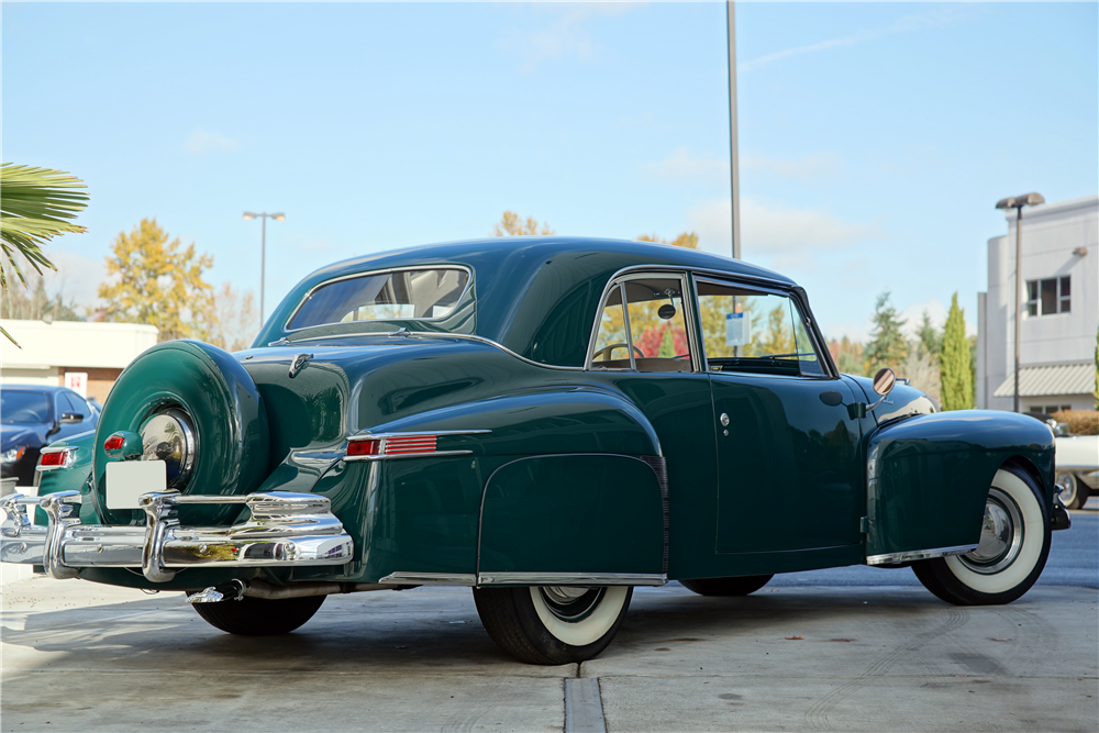 1942 LINCOLN CONTINENTAL - Rear 3/4 - 212905