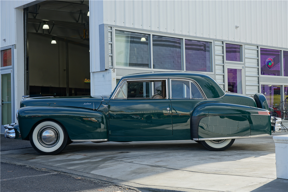 1942 LINCOLN CONTINENTAL - Side Profile - 212905