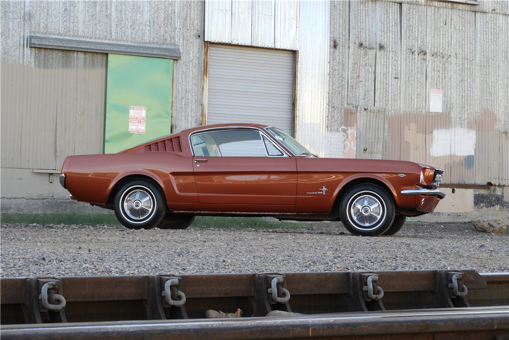 1966 FORD MUSTANG FASTBACK - Side Profile - 212912