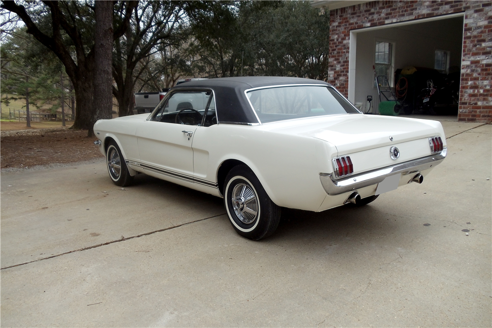 1965 FORD MUSTANG GT - Rear 3/4 - 212919