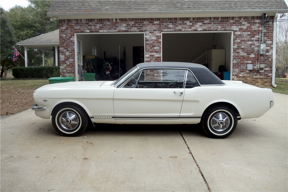 1965 FORD MUSTANG GT - Side Profile - 212919