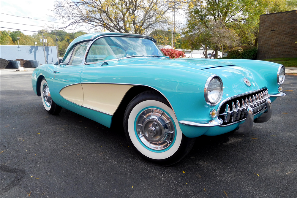 1957 CHEVROLET CORVETTE CONVERTIBLE - Front 3/4 - 212995