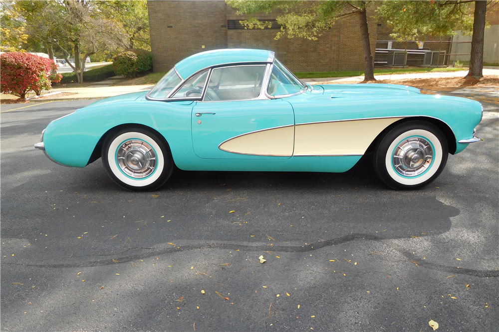 1957 CHEVROLET CORVETTE CONVERTIBLE - Side Profile - 212995