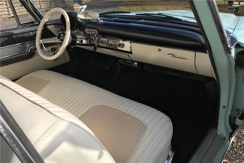 1960 CHRYSLER WINDSOR CONVERTIBLE - Interior - 213077