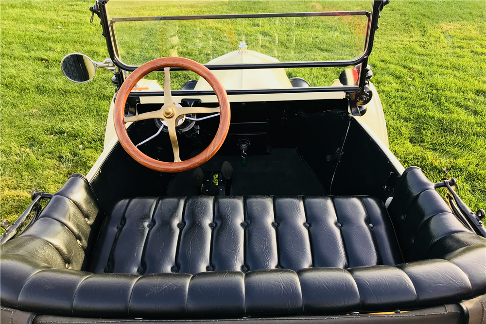 1917 FORD MODEL T CONVERTIBLE - Interior - 213113