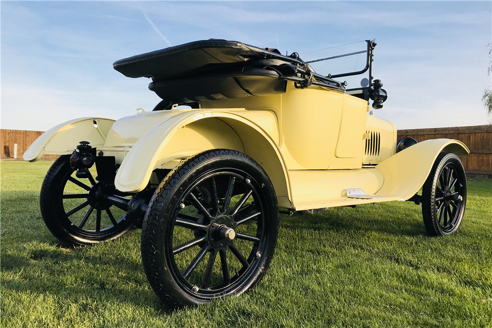 1917 FORD MODEL T CONVERTIBLE - Rear 3/4 - 213113