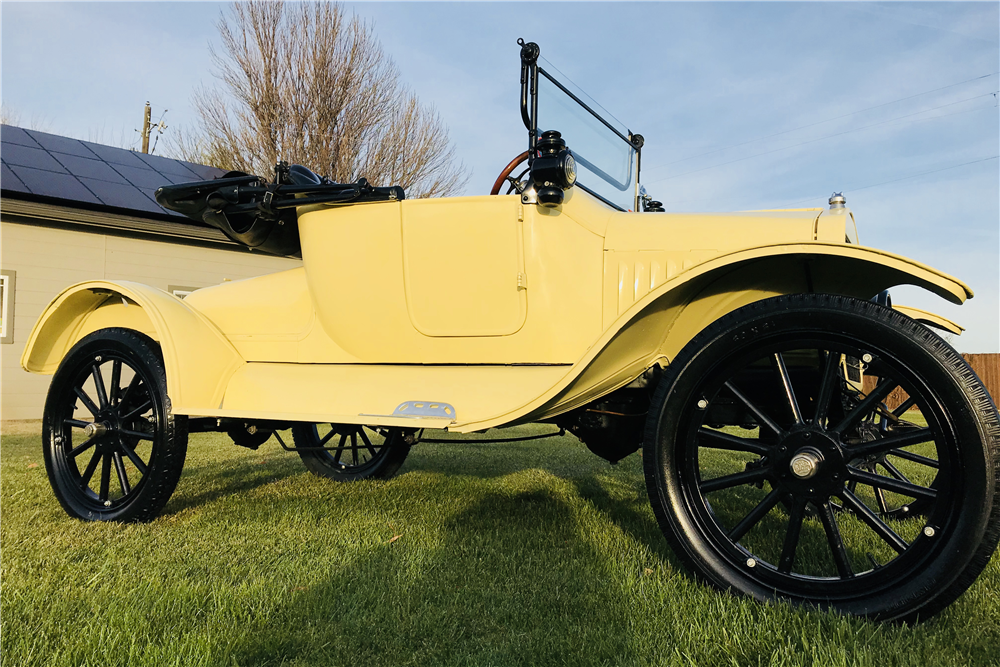 1917 FORD MODEL T CONVERTIBLE - Side Profile - 213113