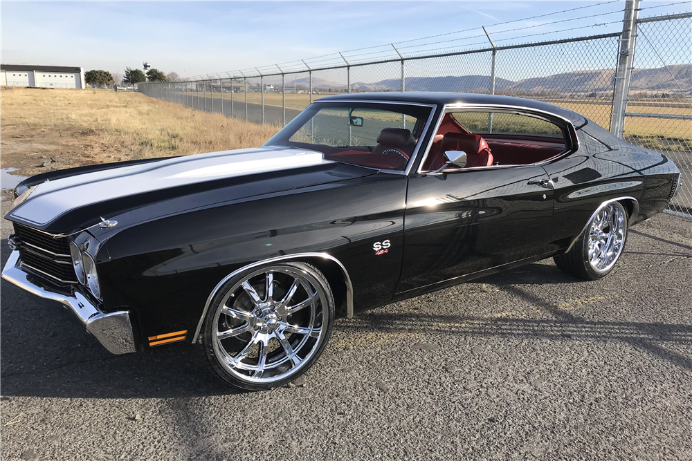 1970 CHEVROLET CHEVELLE CUSTOM COUPE - Front 3/4 - 213115