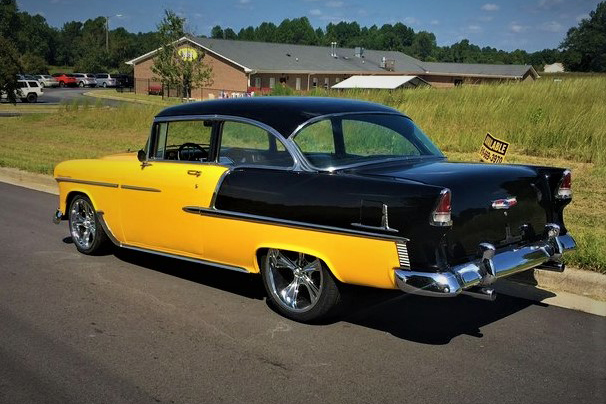1955 CHEVROLET 210 CUSTOM 2-DOOR SEDAN - Rear 3/4 - 213206