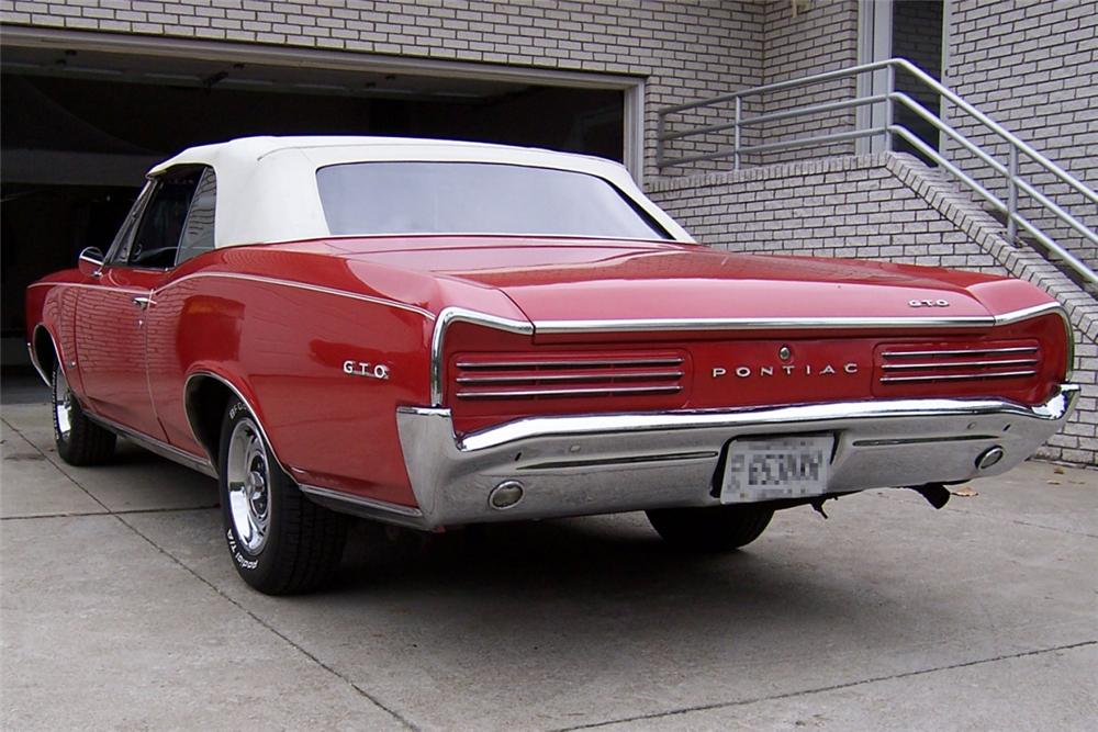 1966 PONTIAC GTO CONVERTIBLE - Rear 3/4 - 21325